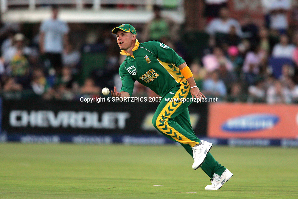 Johan Botha fielding during the 2nd ODI, South Africa v New Zealand, 30 November 2007 held at St Georges Park, Port Elizabeth, South Africa. <br />