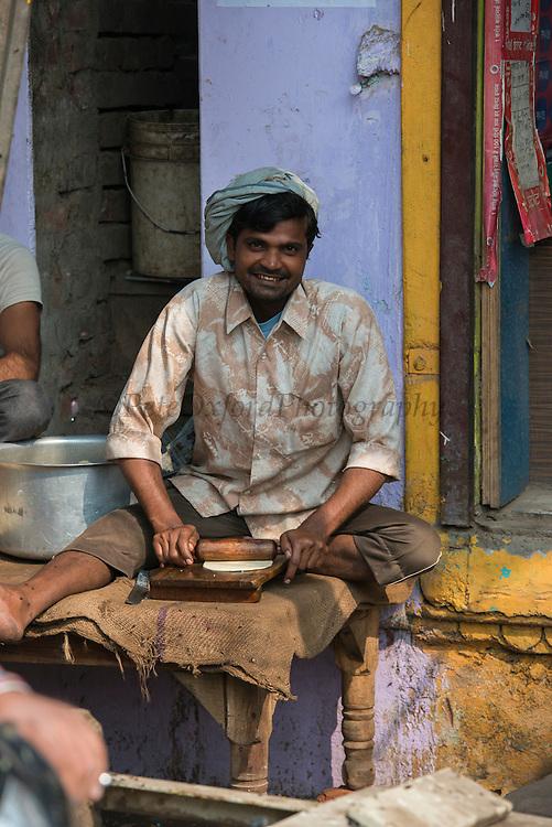Making chapati<br /> Bharatpur<br /> Rajasthan, India