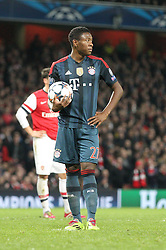 19.02.2014, Emirates Stadion, London, ENG, UEFA CL, FC Arsenal vs FC Bayern Muenchen, Achtelfinale, im Bild David ALABA #27 (FC Bayern Muenchen) beim elfmeter // during the UEFA Champions League Round of 16 match between FC Arsenal and FC Bayern Munich at the Emirates Stadion in London, Great Britain on 2014/02/19. EXPA Pictures © 2014, PhotoCredit: EXPA/ Eibner-Pressefoto/ Kolbert<br /> <br /> *****ATTENTION - OUT of GER*****