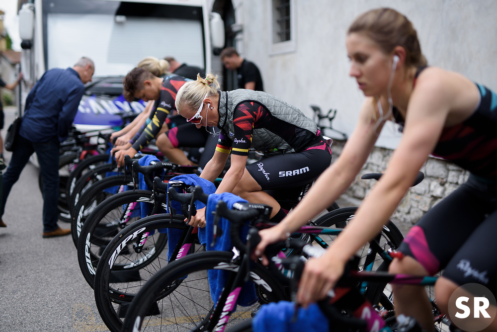 Trixi Worrack warms up on Stage 1 of the Giro Rosa - a 11.5 km team time trial, between Aquileia and Grado on June 30, 2017, in Friuli-Venezia Giulia, Italy. (Photo by Sean Robinson/Velofocus.com)