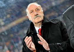 03.07.2010, Ellis Park, Johannesburg, RSA, FIFA WM 2010, Viertelfinale, Paraguay (PAR) vs Spanien (ESP) im Bild Trainer Vicente Del Bosque (Spanien) klatscht, applaudiert, EXPA Pictures © 2010, PhotoCredit: EXPA/ InsideFoto/ Perottino, ATTENTION! FOR AUSTRIA AND SLOVENIA ONLY! / SPORTIDA PHOTO AGENCY