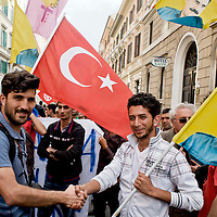 Protesta contro la repressione in Turchia