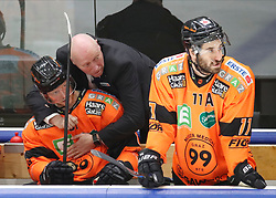 17.01.2020, Merkur Eisstadion, Graz, AUT, EBEL, Moser Medical Graz 99ers vs Vienna Capitals, 41. Runde, im Bild von links Alexander Reichenberg (Moser Medical Graz 99ers), Headcoach Doug Mason (Moser Medical Graz 99ers) und Travis Oleksuk (Moser Medical Graz 99ers) // from l to r Alexander Reichenberg (Moser Medical Graz 99ers) Headcoach Doug Mason (Moser Medical Graz 99ers) and Travis Oleksuk (Moser Medical Graz 99ers) during the Erste Bank Eishockey League 41th round match between Moser Medical Graz 99ers and Vienna Capitals at the Merkur Eisstadion in Graz, Austria on 2020/01/17. EXPA Pictures © 2020, PhotoCredit: EXPA/ Erwin Scheriau
