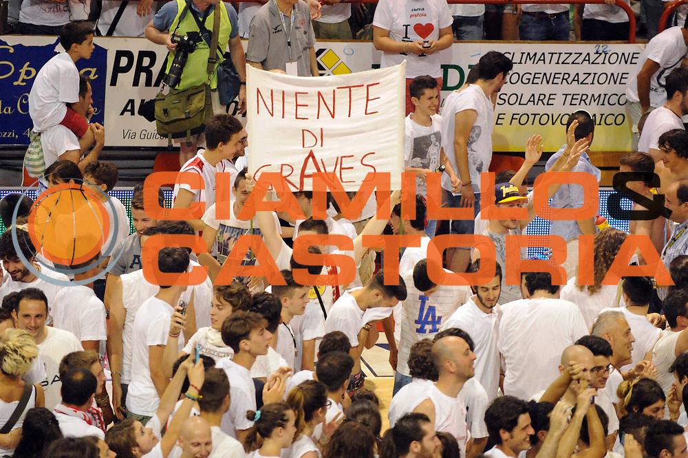 DESCRIZIONE : Pistoia LegaDue 2012-13 Playoff Finale Gara5 Giorgio Tesi Group Pistoia Centrale del Latte Brescia<br /> GIOCATORE : Tifosi<br /> CATEGORIA : Tifosi<br /> SQUADRA : Giorgio Tesi Group Pistoia<br /> EVENTO : Campionato LegaDue  2012-2013<br /> GARA :  Giorgio Tesi Group Pistoia Centrale del Latte Brescia<br /> DATA : 22/06/2013<br /> SPORT : Pallacanestro<br /> AUTORE : Agenzia Ciamillo-Castoria/Max.Ceretti<br /> Galleria : LegaDue Basket 2012-2013<br /> Fotonotizia : Pistoia LegaDue 2012-13 Playoff Finale Gara5 Giorgio Tesi Group Pistoia Centrale del Latte Brescia<br /> Predefinita :