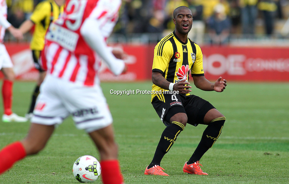 Phoenix' Roly Bonevacia reacts to a missed opportunity during the A-League football match between the Wellington Phoenix & Melbourne City, at the Hutt Recreational Ground, Wellington, 14 February 2015. Photo.: Grant Down / www.photosport.co.nz