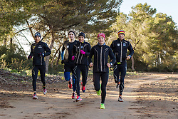 10.03.2016, Colonia di Sant Jordi, ESP, Deutsche Triathlon Nationalmannschaft, Trainingslager, im Bild vl: Anne Haug, Max Schwetz, Anja Knapp, Lisa Sieburger und Justus Nieschlag // during training session at the training camp of German Triathlon National Team in Colonia di Sant Jordi, Spain on 2016/03/10. EXPA Pictures © 2016, PhotoCredit: EXPA/ Eibner-Pressefoto/ Schueler<br /> <br /> *****ATTENTION - OUT of GER*****