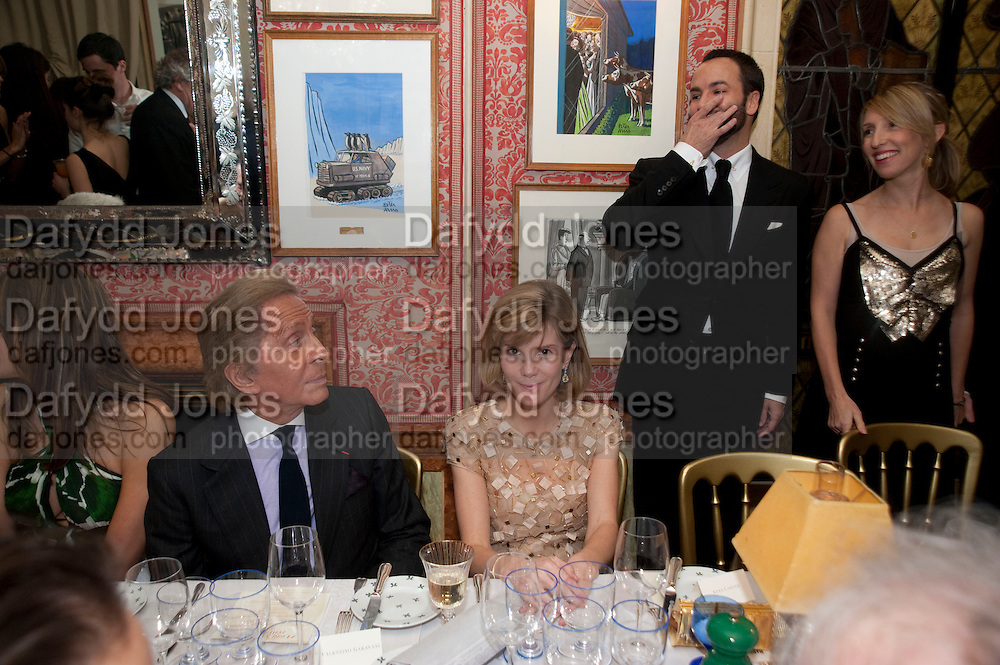 VALENTINO; ANNA CARTER; TOM FORD; SAM TAYLOR WOOD , Graydon Carter hosts a diner for Tom Ford to celebrate the London premiere of ' A Single Man' Harry's Bar. South Audley St. London. 1 February 2010