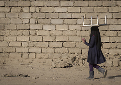 November 26, 2016 - Mosul, Nineveh Governorate, Iraq - Iraqi girl at the libarated parts of Mosul. (Credit Image: © Berci Feher via ZUMA Wire)