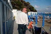 Filippo Nogarin sul lungomare di Castiglioncello, Livorno.<br />  Livorno 13 luglio 2014 . Daniele Stefanini /  OneShot