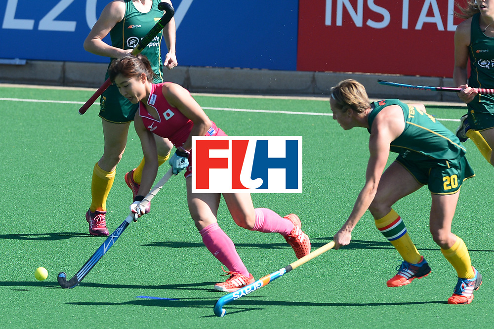 JOHANNESBURG, SOUTH AFRICA - JULY 22: Minami Shimizu of Japan and Nicolene Terblanche of South Africa during day 8 of the FIH Hockey World League Women's Semi Finals 5th-6th place match between Japan and South Africa at Wits University on July 22, 2017 in Johannesburg, South Africa. (Photo by Getty Images/Getty Images)