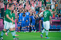 10.06.2012, Staedtisches Stadion, Posen, POL, UEFA EURO 2012, Irland vs Kroatien, Gruppe C, im Bild TOR MARIO MANDZUKIC 3-1 // during the UEFA Euro 2012 Group C Match between Ireland and Croatia at the Municipal Stadium Poznan, Poland on 2012/06/10. EXPA Pictures © 2012, PhotoCredit: EXPA/ Newspix/ Jakub Kaczmarczyk..***** ATTENTION - for AUT, SLO, CRO, SRB, SUI and SWE only *****