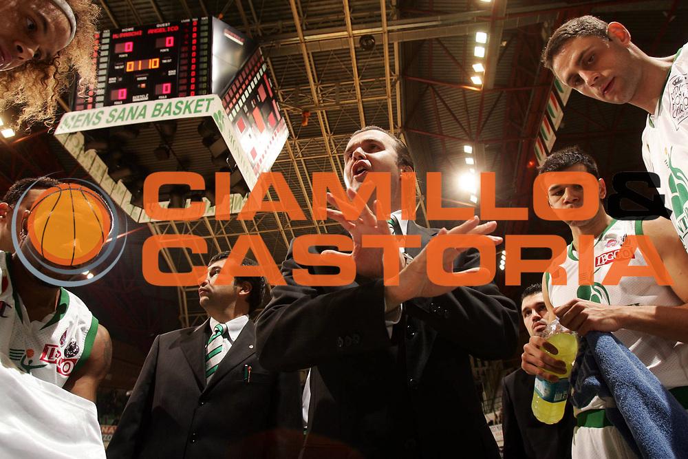 DESCRIZIONE : Siena Lega A1 2007-08 Montepaschi Siena Angelico Biella<br /> GIOCATORE : Simone Pianigiani<br /> SQUADRA : Montepaschi Siena<br /> EVENTO : Campionato Lega A1 2007-2008 <br /> GARA : Montepaschi Siena Angelico Biella <br /> DATA : 04/11/2007 <br /> CATEGORIA : timeout<br /> SPORT : Pallacanestro <br /> AUTORE : Agenzia Ciamillo-Castoria/P.Lazzeroni