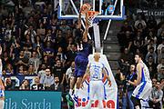 DESCRIZIONE : Beko Legabasket Serie A 2015- 2016 Dinamo Banco di Sardegna Sassari - Manital Auxilium Torino<br /> GIOCATORE : Ndudi Ebi<br /> CATEGORIA : Schiacciata Controcampo<br /> SQUADRA : Manital Auxilium Torino<br /> EVENTO : Beko Legabasket Serie A 2015-2016<br /> GARA : Dinamo Banco di Sardegna Sassari - Manital Auxilium Torino<br /> DATA : 10/04/2016<br /> SPORT : Pallacanestro <br /> AUTORE : Agenzia Ciamillo-Castoria/C.Atzori