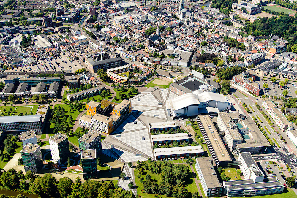 Nederland, Noord-Brabant, Breda, 23-08-2016; Centrum Breda met Chasse theater, Kloosterkazerne, Chasse Promenade. <br /> aerial photo (additional fee required); <br /> luchtfoto (toeslag op standard tarieven); copyright foto/photo Siebe Swart