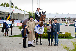 ANQUENTIN Julien (FRA), Gravity of Greenhill, KASSELMANN Francois (Veranstalter), ROTHE Sara (DKB)<br /> Hagen - Horses and Dreams 2019<br /> Siegerehrung<br /> Großer Preis der Deutschen Kreditbank AG- BEMER RIDERS TOUR - Wertungsprüfung - CSI4* Grand Prix Two Rounds<br /> 28. April 2019<br /> © www.sportfotos-lafrentz.de/Stefan Lafrentz