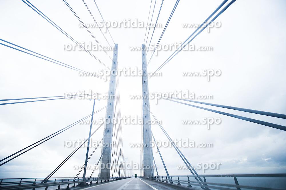 THEMENBILD - Öresundbrücke. Die Öresundverbindung ist eine feste Verbindung über den Öresund und verbindet die dänische Hauptstadt Kopenhagen mit Malmö in Schweden, Öresund, Dänemark, aufgenommen am 02. März 2015 // The Öresund Link is a fixed link across the Öresund and connecting the Danish capital of Copenhagen with Malmö in Sweden, Öresund, Denmark on 2015/03/02. EXPA Pictures © 2015, PhotoCredit: EXPA/ JFK