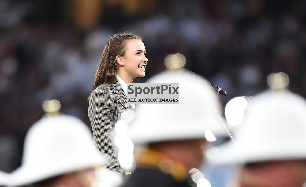 A chorister from Rugby School leads the singing of Swing Low Sweet Chariot (c) Simon Kimber | SportPix.org.uk