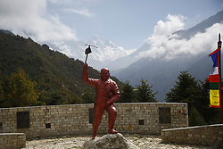 May 27, 2019 - Namche Bazar, Nepal - A statue of late Sherpa mountaineer Tenzing Norgay is pictured in front of Mount Everest at the Army Camp in Namche Bazar, Nepal on Monday, May 27, 2019. He was one of the first two individuals known to reach the summit of Mount Everest in 1953. (Credit Image: © Skanda Gautam/ZUMA Wire)
