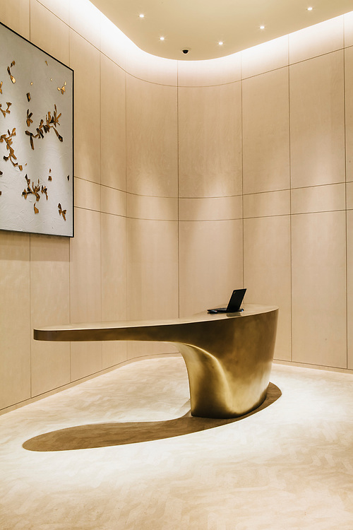 Drop-off reception desk, Park Hyatt Bangkok