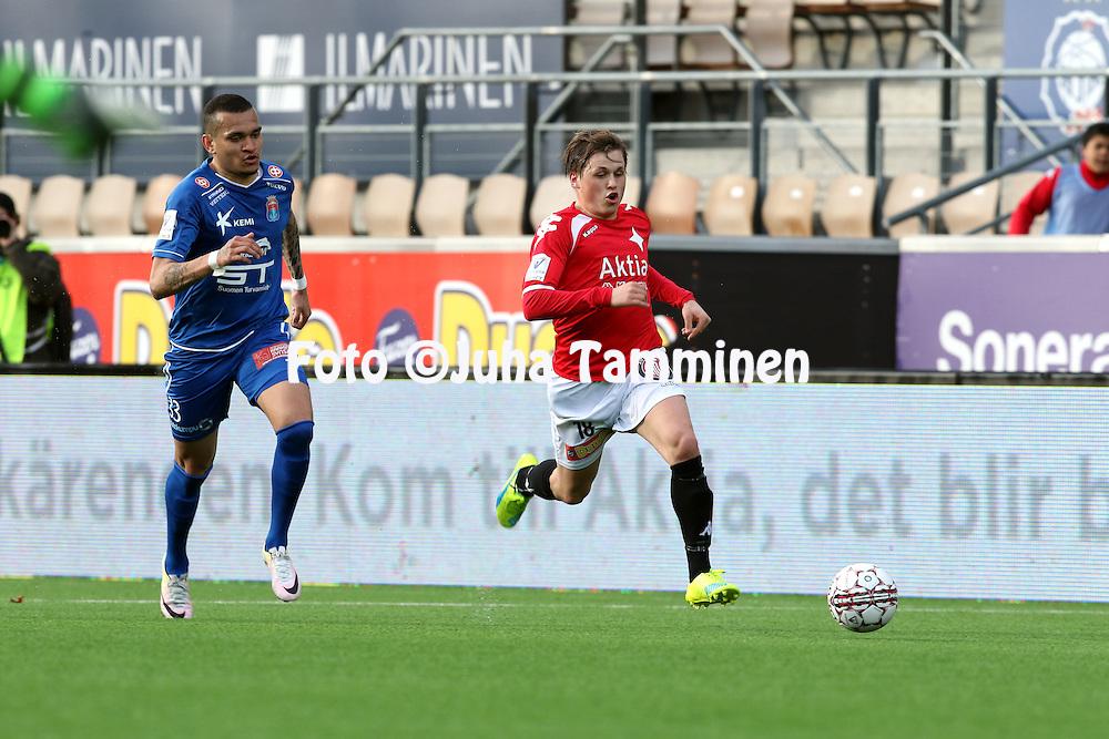 25.4.2016, Sonera Stadion, Helsinki.<br /> Veikkausliiga 2016.<br /> Helsingfors IFK - PS Kemi.<br /> Matias H&auml;nninen (HIFK) v Muller (PS Kemi).