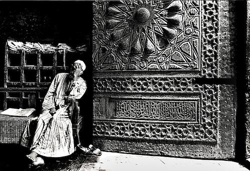 Doorway of the Mosque of the Sultan Al Mu\u0027ayyad (built 1415- & Door and doorkeeper in the entrance of the Al Mu\u0027ayyad mosque ... Pezcame.Com