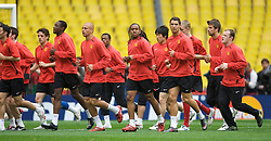 MOSCOW, RUSSIA - Tuesday, May 20, 2008: Manchester United's players during training ahead of the UEFA Champions League Final against Chelsea at the Luzhniki Stadium. (Photo by David Rawcliffe/Propaganda)