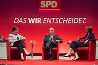 16 JUN 2013, BERLIN/GERMANY:<br /> Gertrud Steinbrueck (L), Ehefrau des Kanzlerkadidaten, und Peer Steinbrueck (M), SPD Kanzlerkandidat, und Bettina Boettinger (R), Moderatorin, im Dialog, SPD-Parteikonvent, Tempodrom<br /> IMAGE: 20130616-01-130<br /> KEYWORDS: Peer Steinbrück, Gertrud Steinbrück, Gespräch, Bettina Böttinger