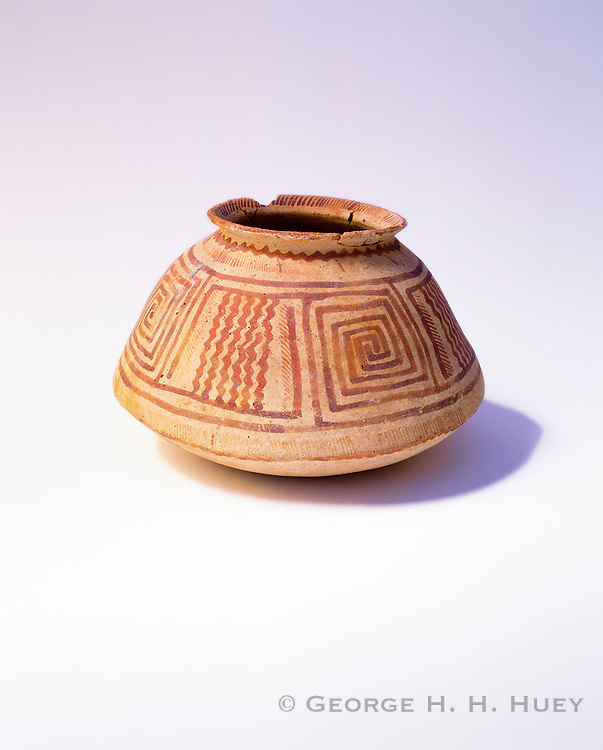 0102-1006 ~ Copyright: George H.H. Huey ~ Sacaton Red-on-buff jar.  Circa 1100 A.D. Hohokam Culture.  Casa Grande Ruins National Monument, Arizona.