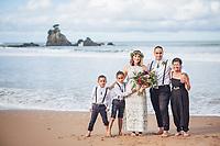 intimate wedding on the beautiful coromandel peninsula at sailors grave bay tairua felicity jean photography small beach ceremony