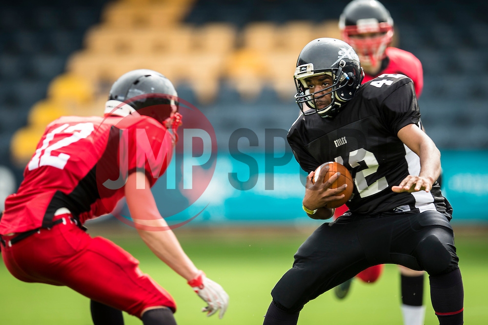 Kent Exiles running back - Mandatory by-line: Jason Brown/JMP - 27/08/2016 - AMERICAN FOOTBALL - Sixways Stadium - Worcester, England - Kent Exiles v East Kilbride Pirates - BAFA Britbowl Finals Day