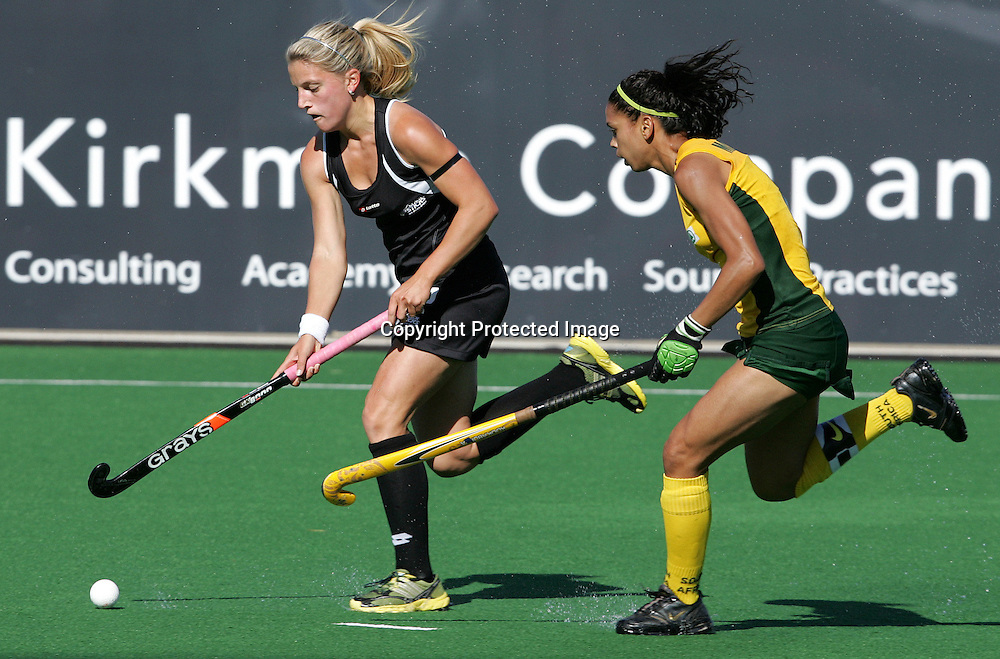 Gemma FLYNN and Marsha MARESCIA (C) during the BDO Women's Champions Challenge 1 Final  match between South Africa and New Zealand held at the Hartleyvale Stadium in Cape Town, South Africa on the 18 October 2009 ..Photo by RG/www.sportzpics.net.+27 21 (0) 21 785 6814