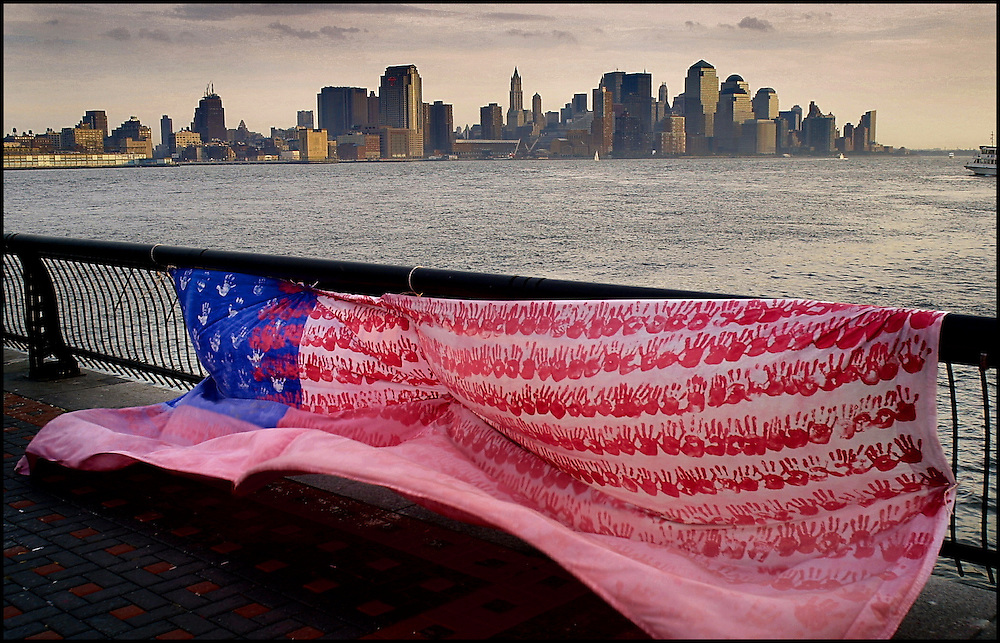 Digital. New York  07/11/01 -  New York after the September 11 terrorist attacks on the Twin Towers of the World Trade Center  - (c) Vicens Gimenez