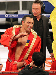 26.04.2015, Madison Square Garden, New York, USA, WBA, Wladimir Klitschko vs Bryant Jennings, im Bild alter und neuer Weltmeister im Boxen Schwergewicht Wladimir Klitschko // during IBF, WBO and WBA world heavyweight title boxing fight between Wladimir Klitschko of Ukraine and Bryant Jennings of the USA at the Madison Square Garden in New York, United Staates on 2015/04/26. EXPA Pictures © 2015, PhotoCredit: EXPA/ Eibner-Pressefoto/ Kolbert<br /> <br /> *****ATTENTION - OUT of GER*****