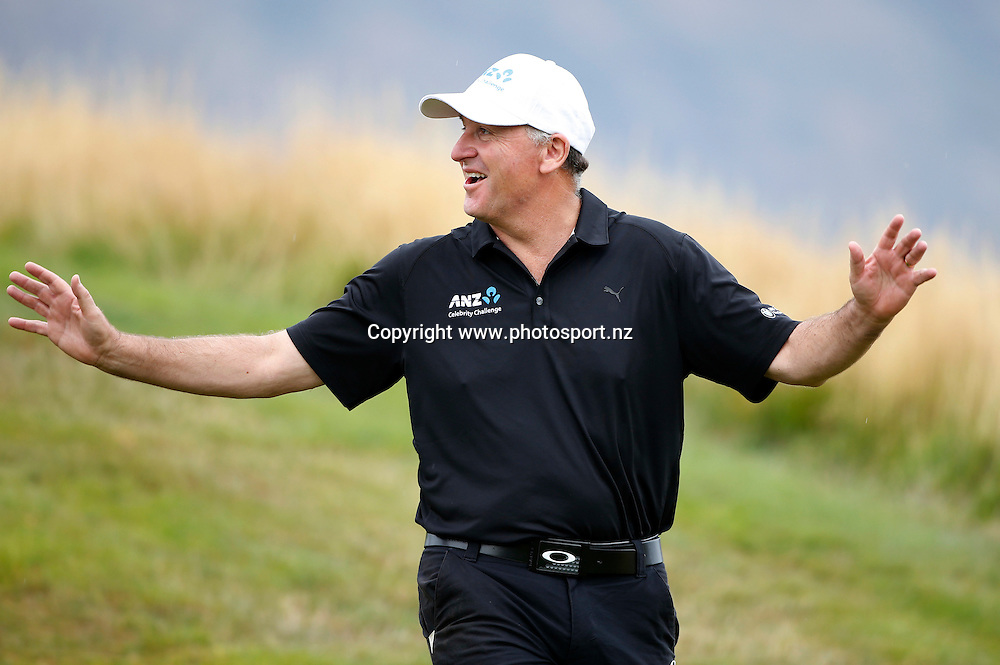 Prime Minister John Key during the final round of the 2016 BMW ISPS Handa New Zealand Open, The Hills, Arrowtown, New Zealand.13 March 2016. Photo by Michael Thomas/www.photosport.nz