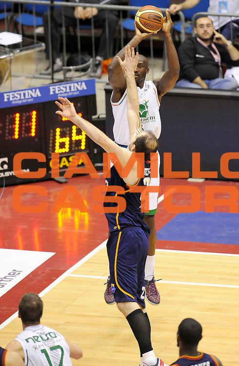 DESCRIZIONE : Milano Coppa Italia Final Eight 2014 Quarti di Finale Acea Roma Montepaschi Siena<br /> GIOCATORE : Othello Hunter<br /> CATEGORIA : Tiro<br /> SQUADRA : Montepaschi Siena<br /> EVENTO : Beko Coppa Italia Final Eight 2014<br /> GARA : Acea Roma Montepaschi Siena<br /> DATA : 08/02/2014<br /> SPORT : Pallacanestro<br /> AUTORE : Agenzia Ciamillo-Castoria/A.Giberti<br /> GALLERIA : Lega Basket Final Eight Coppa Italia 2014<br /> FOTONOTIZIA : Milano Coppa Italia Final Eight 2014 Quarti di Finale Acea Roma Montepaschi Siena<br /> Predefinita :
