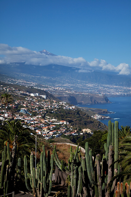 View over the north coast and Teide from El Sauzal, North Tenerife.