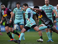 Rugby Union - 2019 / 2020 Gallagher Premiership - Harlequins vs. Gloucester<br /> <br /> Gloucester's Danny Cipriani clears under pressure from Harlequins' Elia Elia, at The Stoop.<br /> <br /> COLORSPORT/ASHLEY WESTERN