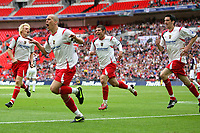 Fotball<br /> England<br /> Foto: Colorsport/Digitalsport<br /> NORWAY ONLY<br /> <br /> Stevenage Borough Captain Steve Morison celebrates scoring<br /> Stevenage Borough vs York City <br /> Carlsberg FA Trophy Final at Wembley Stadium 2/05/2009