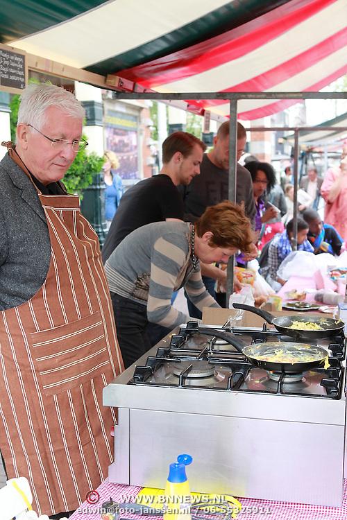 NLD/Amsterdam/20130701 - Keti Koti Ontbijt 2013 op het Leidse Plein, Joop Daalmeijer en Maartje van Weegen