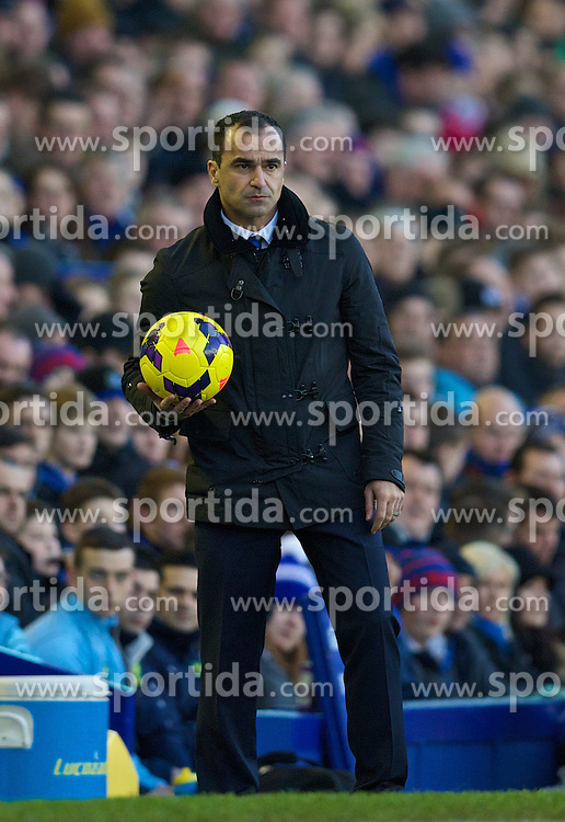 11.01.2014, Goodison Park, Liverpool, ENG, Premier League, FC Everton vs Norwich City, 21. Runde, im Bild Everton's manager Roberto Martinez against Norwich City during the Premiership match at Goodison Park // during the English Premier League 21th round match between Everton FC and Norwich City FC at the Goodison Park in Liverpool, Great Britain on 2014/01/11. EXPA Pictures &copy; 2014, PhotoCredit: EXPA/ Propagandaphoto/ David Rawcliffe<br /> <br /> *****ATTENTION - OUT of ENG, GBR*****