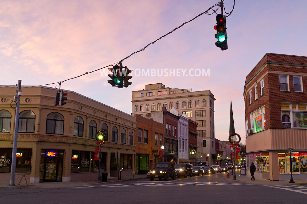 Middletown, New York - A view of Franklin Square in downtown Middletown at twilight on  Nov. 25, 2014. ©Tom Bushey / The Image Works