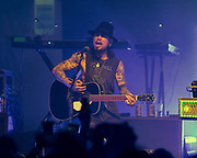 Dave Navarro (Jane's Addiction)joins Ministry on December 20, 2018 at the Regent Theatre in Los Angeles, California (Photo: Charlie Steffens/Gnarlyfotos)