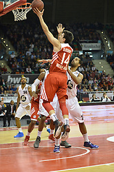25.02.2014, Audi Dome, Muenchen, GER, Beko Basketball BL, FC Bayern Muenchen Basketball vs Artland Dragons, 22. Runde, im Bild Nihad Djedovic (FC Bayern Muenchen Basketball), Antonio Graves (Artland Dragons), v li Aktion // during the Beko Basketball Bundes league 22. round match between FC Bayern Munich Basketball and Artland Dragons at the Audi Dome in Muenchen, Germany on 2014/02/25. EXPA Pictures © 2014, PhotoCredit: EXPA/ Eibner-Pressefoto/ Buthmann<br /> <br /> *****ATTENTION - OUT of GER*****