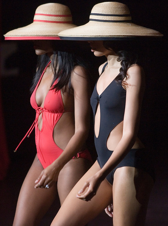 SP_282399_FREE_Ebony..Caption:(Monday 02/04/2008 St. Petersburg)Models show off swimsuits and hats  during the Ebony Fashion Fair held at Mahaffey Theater. Proceeds from the Fashion Fair, which is in it's 50th year, benefit charities...Summary:Ebony Fashion Fair held at Mahaffey Theater...Photo by James Branaman