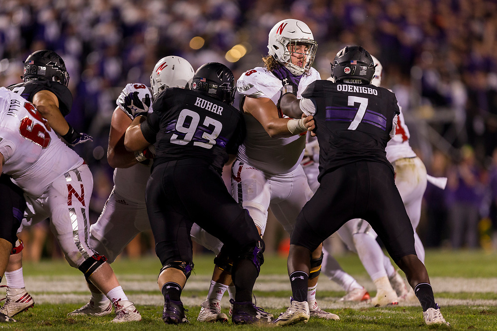 Nick Gates #68 of the Nebraska Cornhuskers blocks Ifeadi Odenigbo #7 of the Northwestern Wildcats during Nebraska's game 24-13 win over Northwestern at Ryan Field in Evanston, Ill. on Sept. 24, 2016. Photo by Aaron Babcock, Hail Varsity