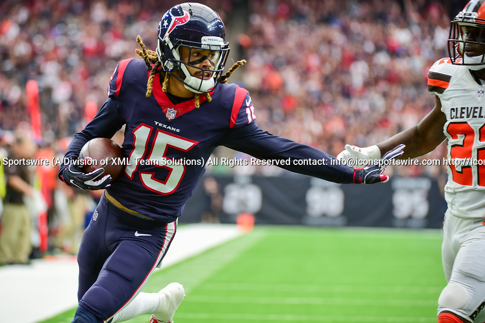 HOUSTON, TX - OCTOBER 15: Houston Texans wide receiver Will Fuller V (15) scores on a first half touchdown pass during the football game between the Cleveland Browns and the Houston Texans on October 15, 2017 at NRG Stadium in Houston, Texas. (Photo by Ken Murray/Icon Sportswire)
