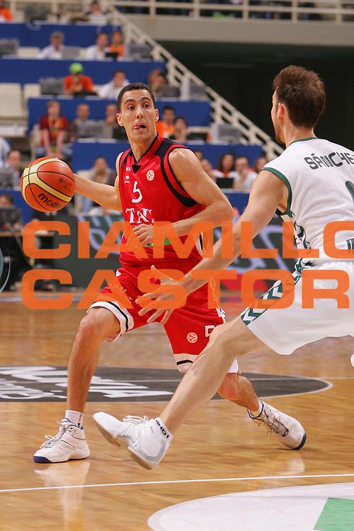DESCRIZIONE : Atene Athens Eurolega Euroleague 2006-07 Final Four Finale 3-4 posto Unicaja Malaga Tau Vitoria <br /> GIOCATORE : Prigioni <br /> SQUADRA : Tau Vitoria <br /> EVENTO : Eurolega 2006-2007 Final Four Finale 3-4 posto <br /> GARA : Unicaja Malaga Tau Vitoria <br /> DATA : 06/05/2007 <br /> CATEGORIA : Palleggio <br /> SPORT : Pallacanestro <br /> AUTORE : Agenzia Ciamillo-Castoria/S.Silvestri