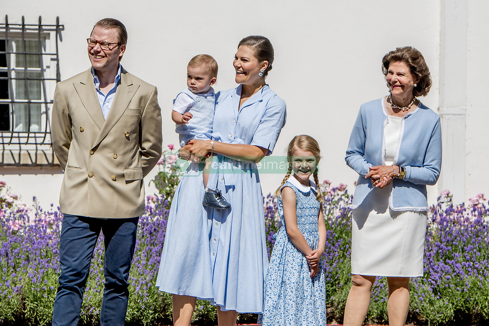 Quen Silvia, Crown Princess Victoria and husband Prince Daniel with their children Princess Estelle, Prince Oscar during the traditionally celebration of Crown Princess Victoria's birthday at the royal family's summer residence, Solliden Palace in Borgholm, Öland, Sweden, on July 15, 2017, a day later Stockholm celebration. Photo by Robin Utrecht/ABACAPRESS.COM