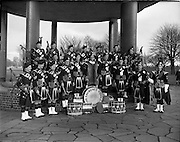 06/02/1960<br /> 02/06/1960<br /> 06 February 1960 <br /> St Laurence O'Toole Pipe Band group photograph at Fairview Park, Dublin.