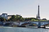 2016-08-24 Eiffel tower, river and bridge